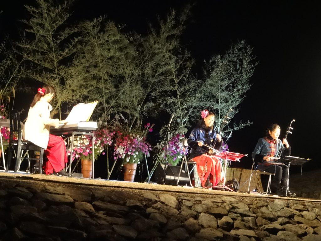 古墳を舞台に月と音楽を愛でる悠久の丘 お月見コンサート
